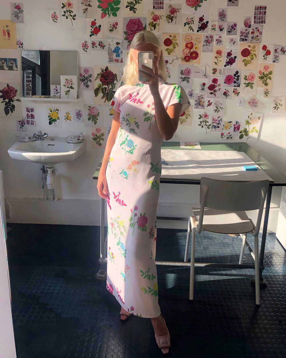 HOW IS IT SEPTEMBER ALREADY? ~ ENJOYING THOSE LATE SUMMER MOMENTS. 💘 ~ WEARING THE BLUSH VALENTINE DRESS WITH A COLLAGE OF MY FLORAL DRAWINGS. 🌼🌸🌺 #HS20