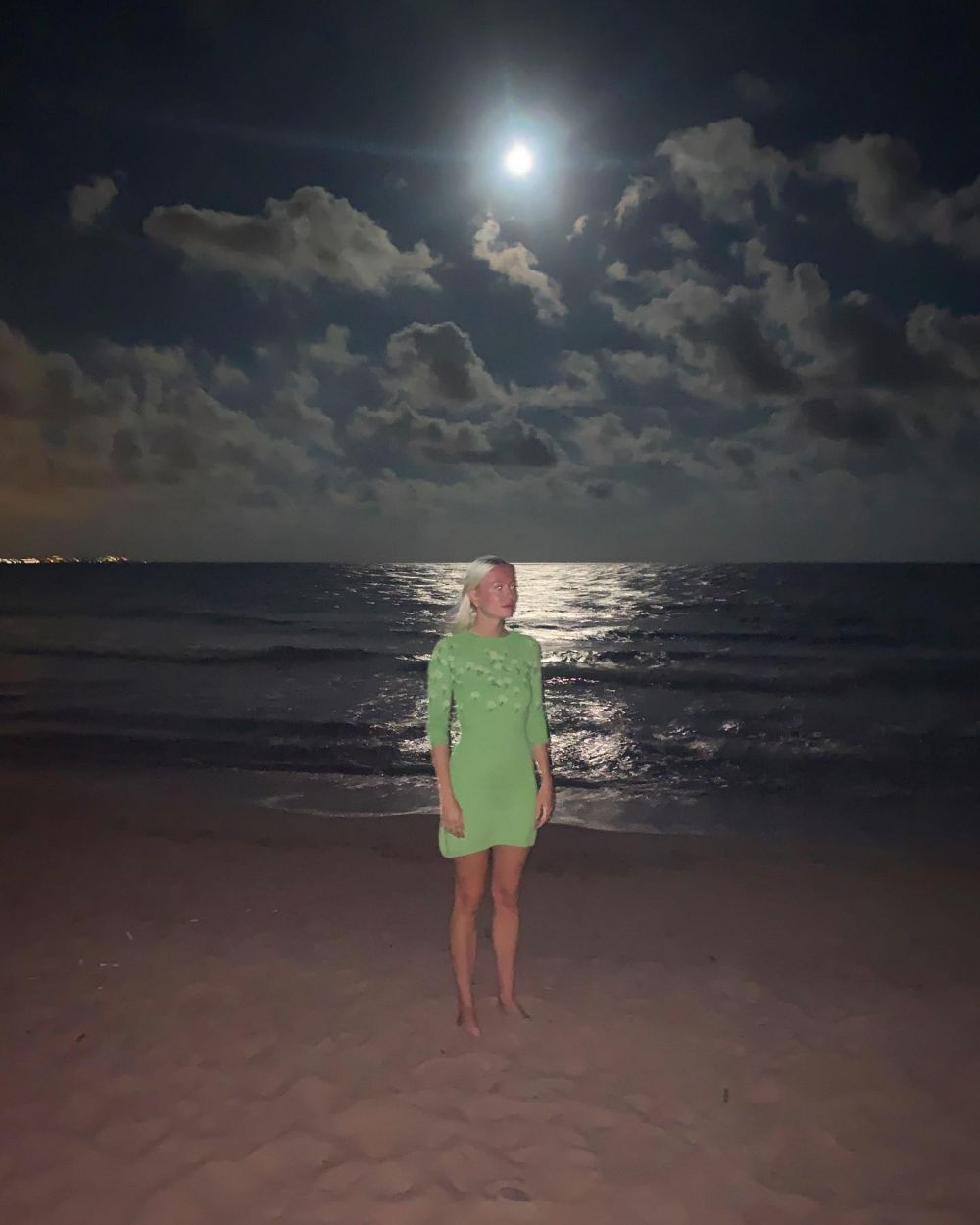 🌙☁️☁️☁️ Under the moon ~ Wearing the knitted Camilla dress. 🍏